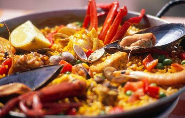 Spanien, Granada, Salobrena, Paella mit Meeresfruechten Europa, traditionelles Gericht, Speise, Essen, food still, Meeresfruechte, 2007, (Bildtechnik: Farbprofil sRGB, QF, 60 MB vorhanden) English: Spain, Granada, Salobrena, Paella with seafood, Europe, traditional Spanish dish, speciality, food still, 2007